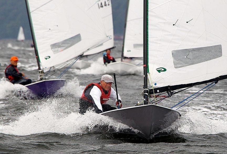 Her vinder Jørgen Svendsen tysk mesterskab for OK-joller. Foto: Christian Gossmann