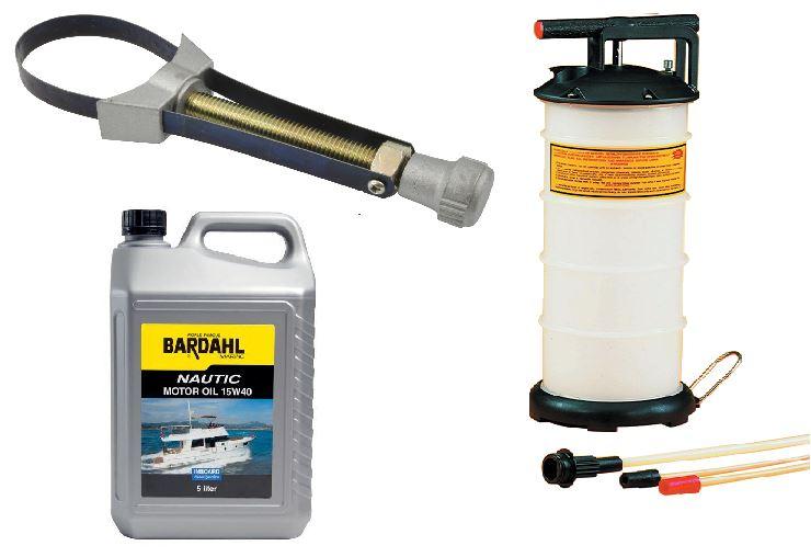 Motorolie, filtertang samt pumpe til vinterklargøring af motoren.