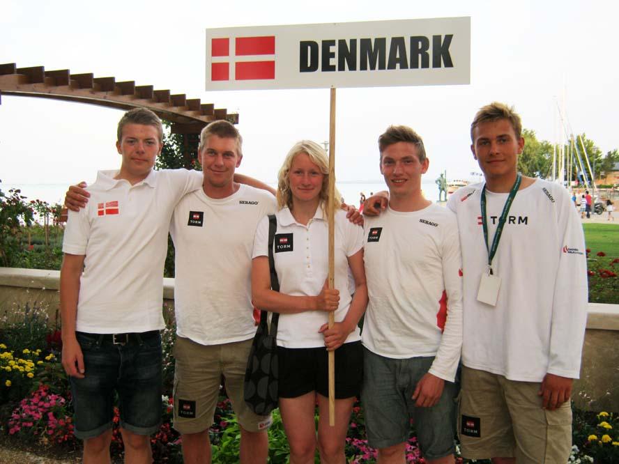 U 21 VM: Fra venstre Martin Jessen, træner Michael Hansen, Sofie Slotsgaard, Victor Thurøe, André Højen. (Stig Steinfurth mangler)