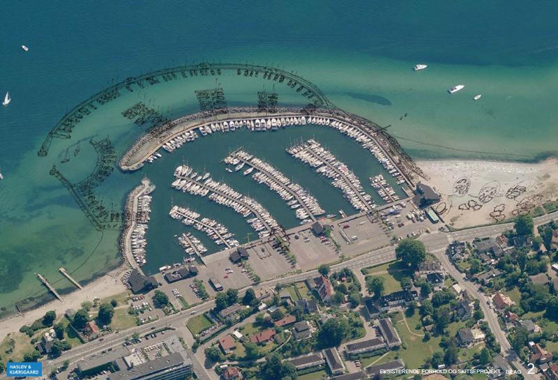 Billedet viser Vedbæk Havn som den ser ud i dag, med udvidelsen er markeret med en sort streg. Foto: Hasløv & Kjærsgaard