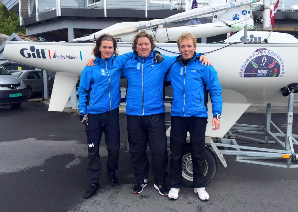 Fra venstre: Lucas Lier, Konrad Floryan og Frederik Berg vinder VM for Yngling i Bergen. Foto: Facebook