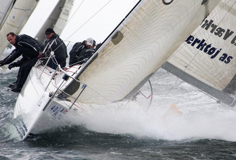 X-35eren er ikke for nybegyndere i sejlsport. Her er Løftgaard og co. i Kiel.