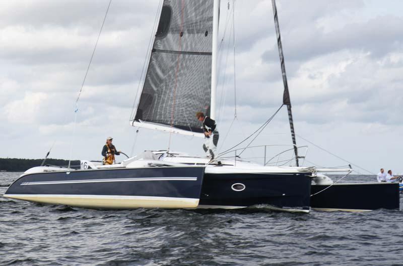 Familien Thuesen sejler twohanded i Helsingør og Oslo blandt andet i deres næsten nye Dragonfly 35.