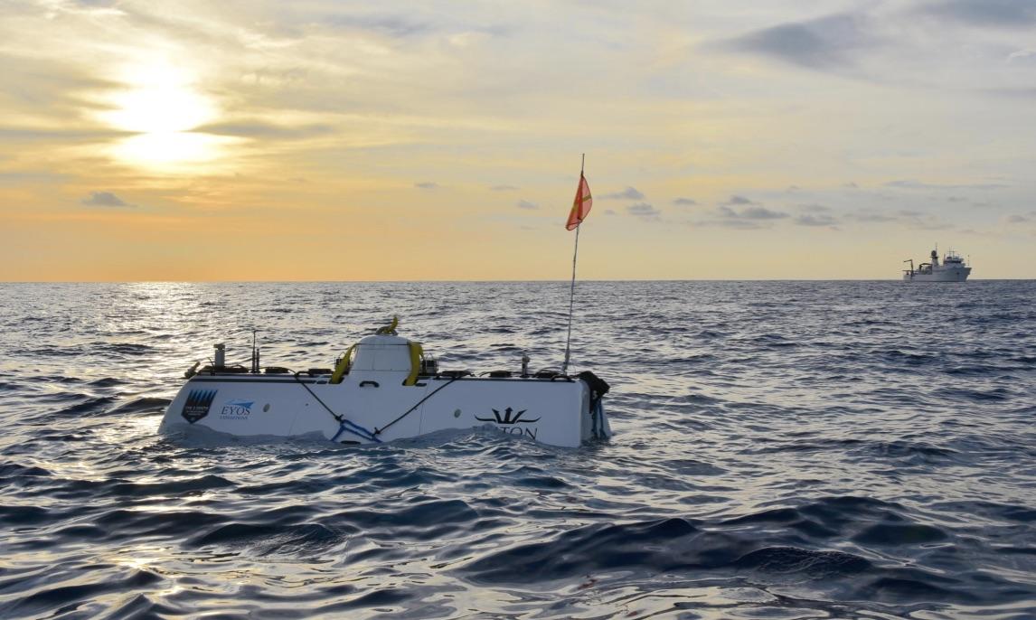 Amerikaner Dykker Over Syv Kilometer Ned I Det Indiske Ocean